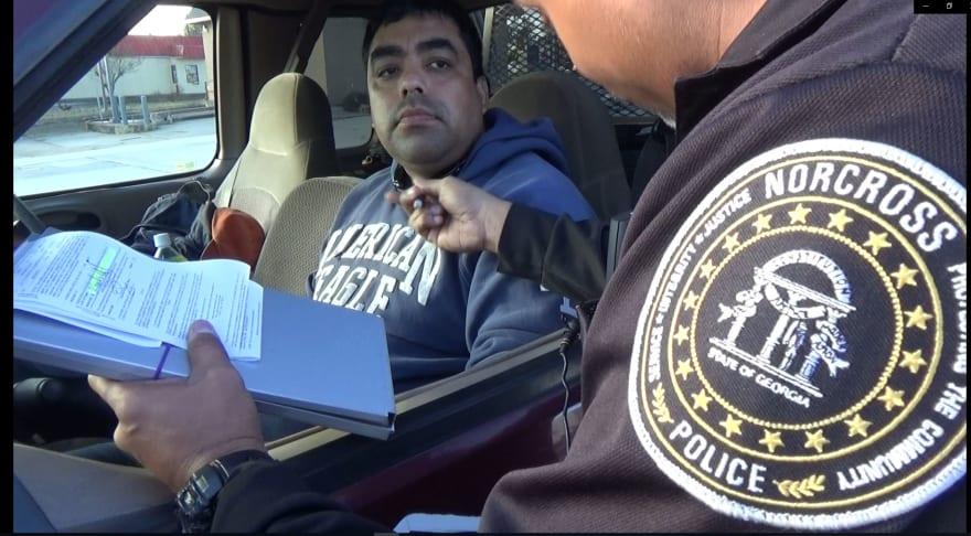 Gwinnett, el condado con más multas por usar el celular al volante (VIDEO)