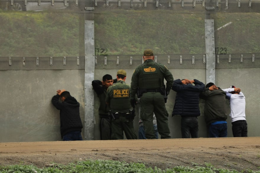 Libertad condicional para agente de la Patrulla Fronteriza indocumentado