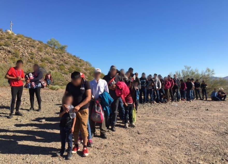 Patrulla Fronteriza detiene a 135 inmigrantes centroamericanos en Arizona