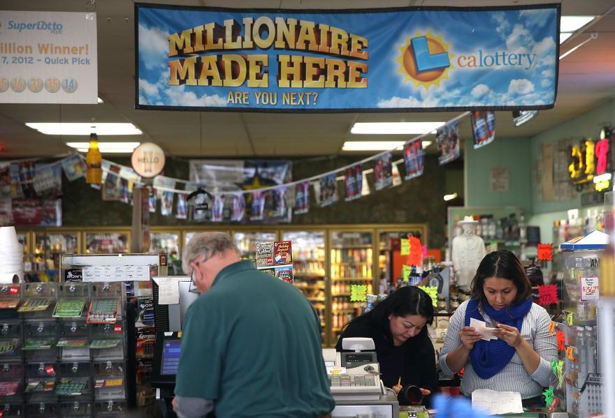 Agricultor hispano en California gana $2 millones en la lotería