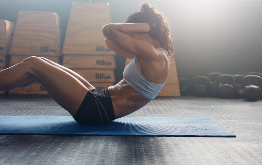 Prácticos ejercicios para marcar tus abdominales