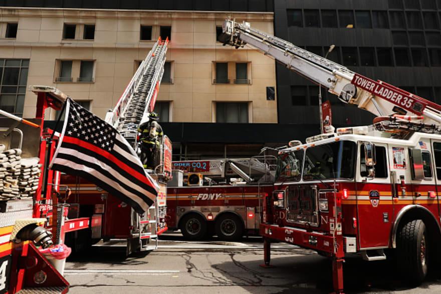 Nueva York: Incendio en edificio deja seis muertos de una misma familia