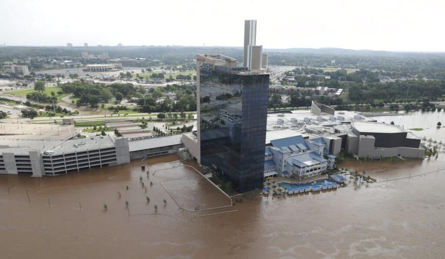 Inundaciones obligan evacuaciones en Oklahoma y Arkansas