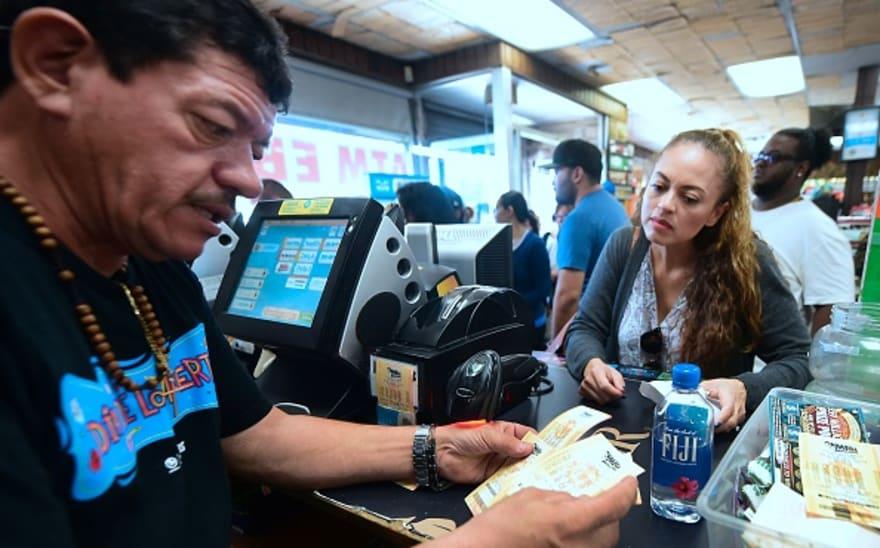 Mega Millions: Un boleto se lleva los $530 millones en California