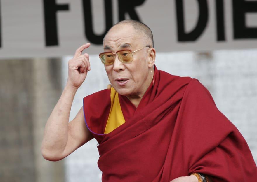 Ladrones de energía: 10 consejos del Dalai Lama para protegerte