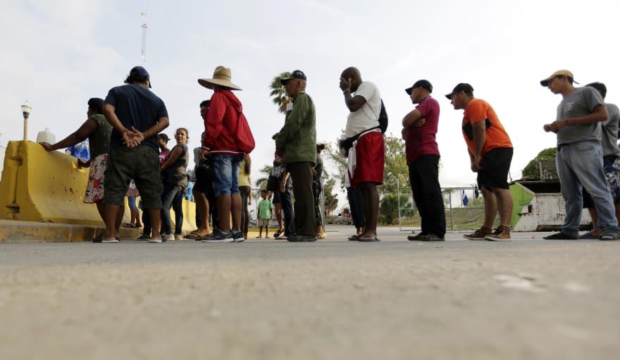Aseguran que EE.UU. presiona a Guatemala con amenaza de prohibición de viaje