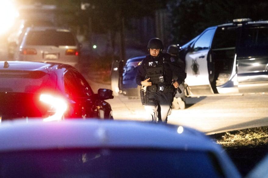 Tiroteo en California deja a un policía y atacante muertos y varios heridos