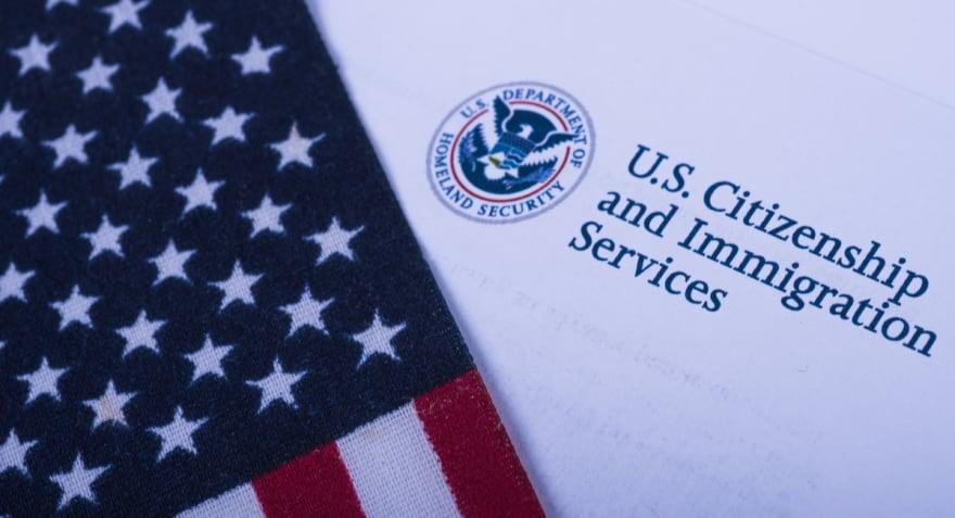 Carga pública de USCIS: Cuándo y a qué visas se aplicará