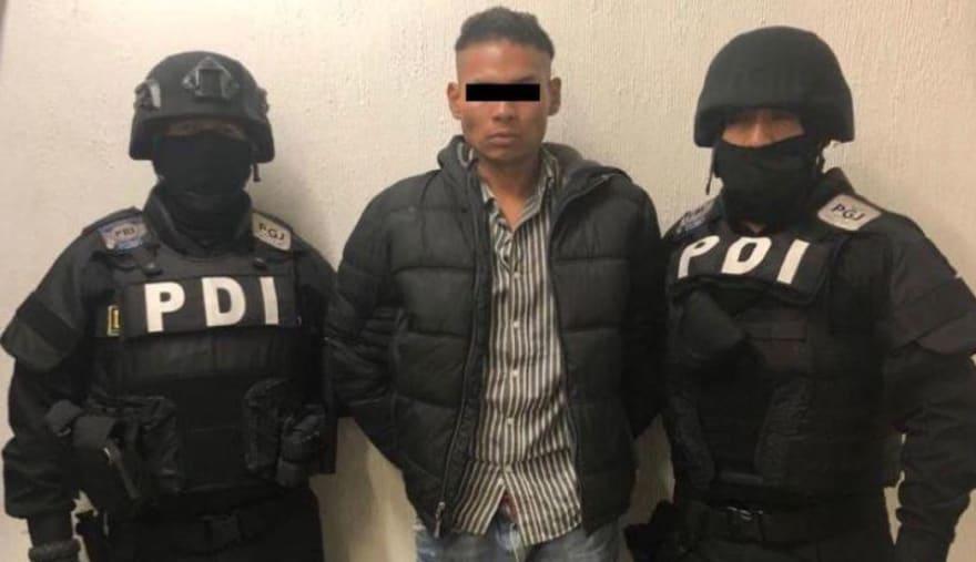Detienen a hombre que golpeó a periodista cuando transmitía marcha en México (VIDEO)