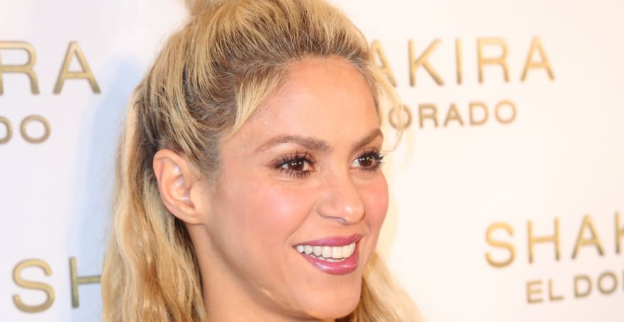 Shakira y Jennifer López presumen cinturitas para el Super Bowl