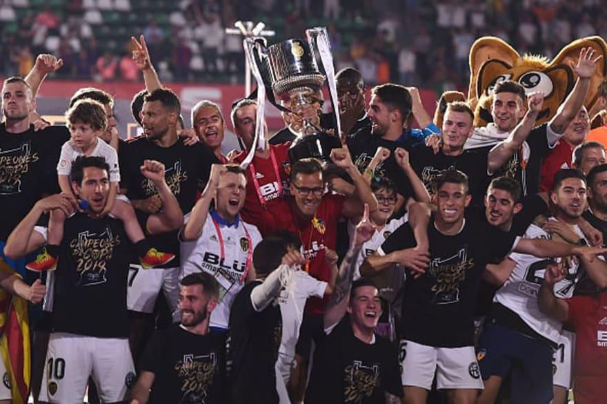 Barcelona también naufraga en la Copa del Rey y ¡Valencia es el campeón!