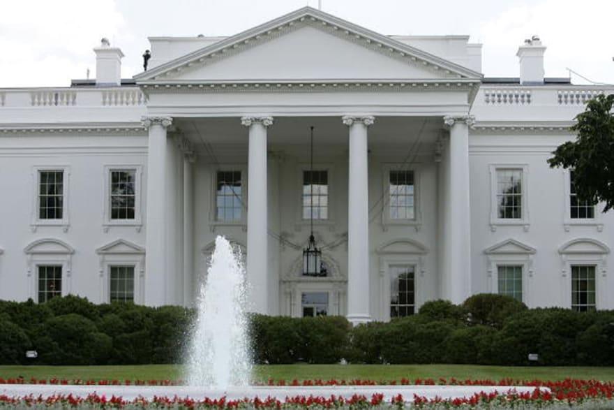 Cierran cafeterías de la Casa Blanca por caso de coronavirus