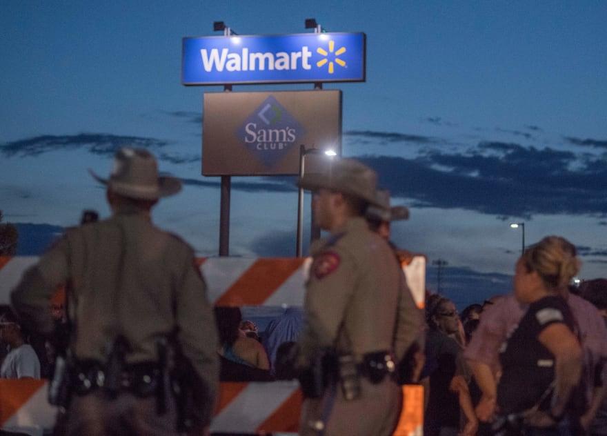 Walmart contrata a oficiales fuera de servicio antes de su reapertura en El Paso