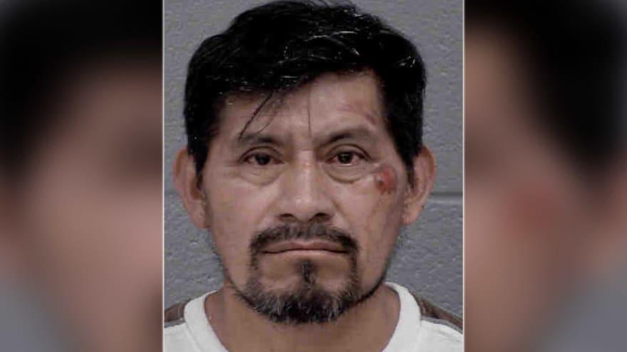 Acusan a hispano de perseguir a adolescentes a punta de machete