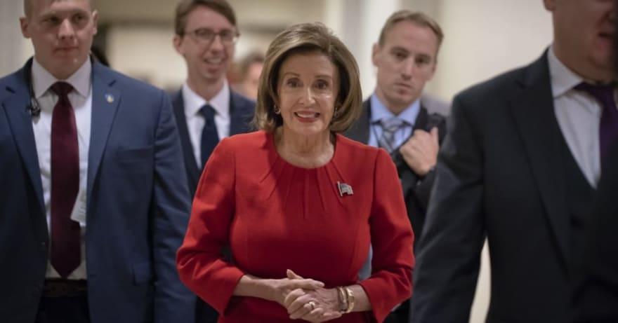 Pelosi cataloga como soborno acciones de Trump contra Ucrania