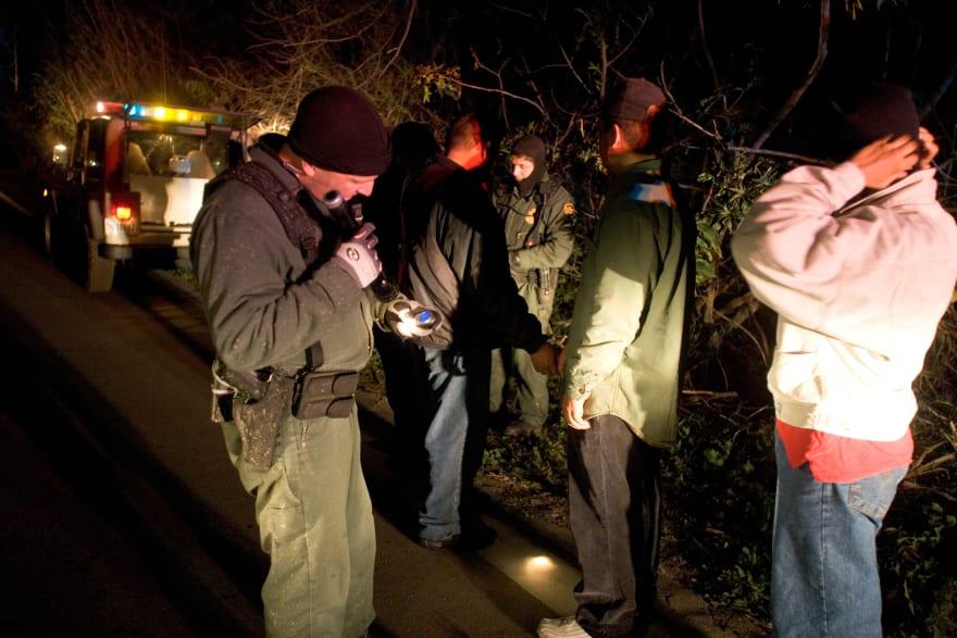 California: Rescata Patrulla Fronteriza a 20 inmigrantes atrapados en el drenaje de San Diego