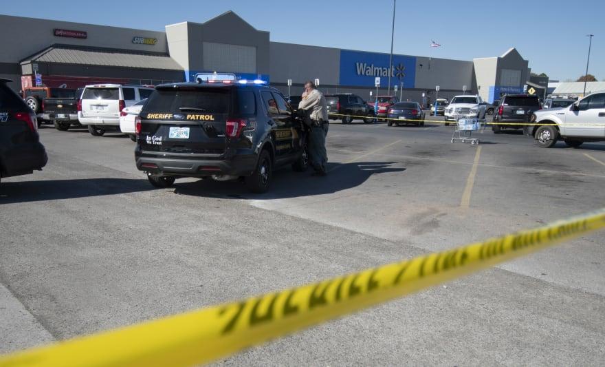 Walmart: Sorprendentes casos ponen a los hispanos en 'la mira'