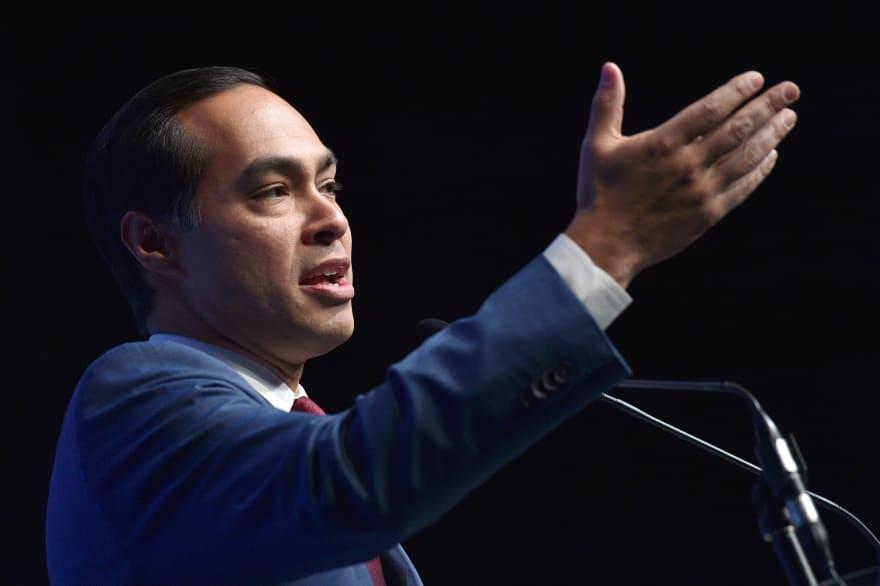Julián Castro apoya a Elizabeth Warren como candidata presidencial demócrata