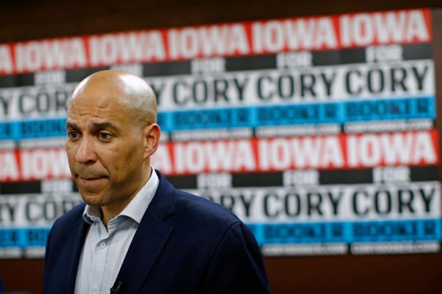 Cory Booker pone fin a su candidatura después de luchas monetarias