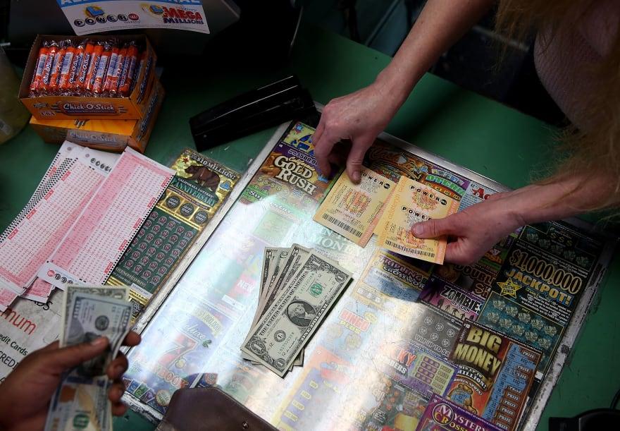 Residente de Laredo gana casi 20 millones de dólares en la lotería