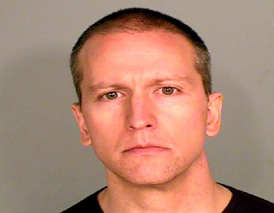 Tras revelarse que Derek Chauvin recibiría $1 millón, familia de George Floyd hará demandará civil