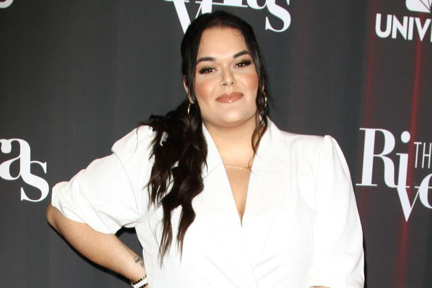 Jenicka López, hija de Jenni Rivera, le da lección de elegancia a Celia Lora con sexy escote (FOTOS)