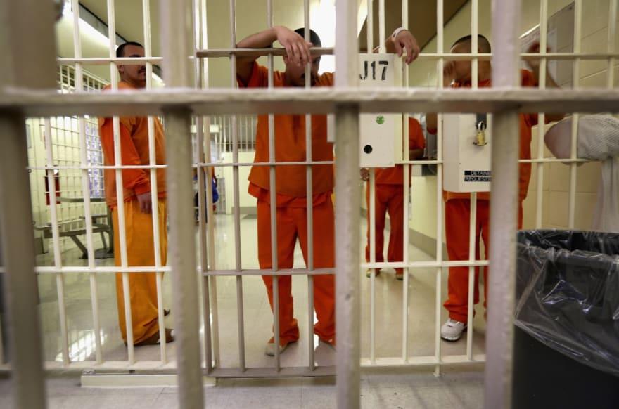 Arizona: Inmigrantes denuncian abusos en centro de detención La Palma