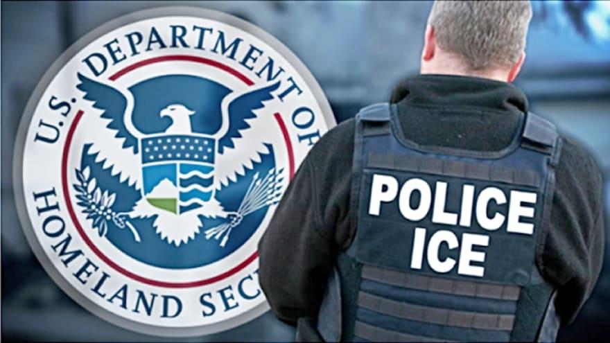 Piden juzgar a agentes de ICE por hacerse pasar por policías