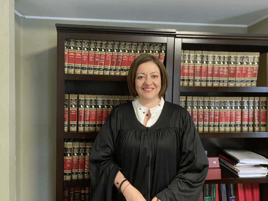 Georgia: Hispana hace historia como jueza en la ciudad de Doraville