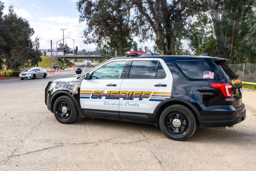 California: Arrestan a dos primos latinos por estafar más de $500 mil a ancianos