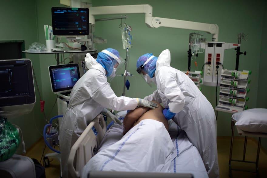 CORONAVIRUS EE.UU.: Se superan las 239,500 muertes y los 10.2 millones de casos