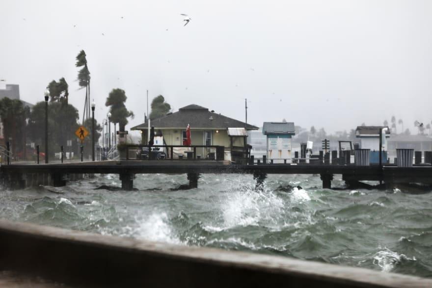 Tormenta Eta deja lluvias torrenciales en oeste de Florida