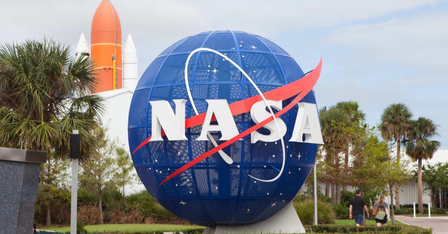 NASA visualiza cómo se ven las supernovas y las galaxias colisionando