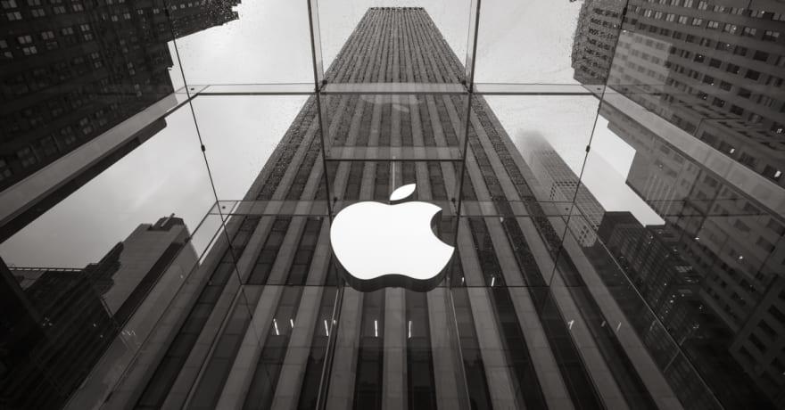 Tras burlarse de Apple, Samsung podría cometer su mismo error