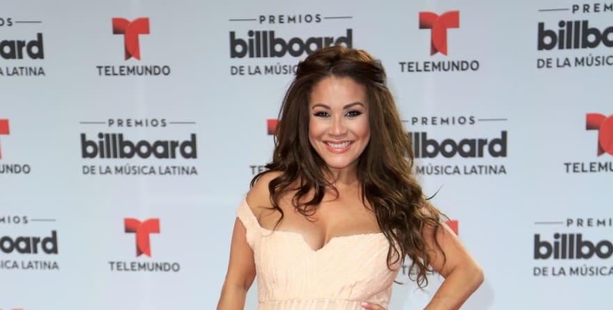 En su aniversario de bodas, Veneno Sandoval se vuelve a casar