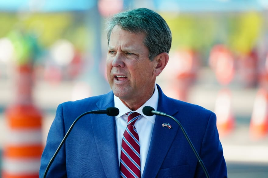 Aseguran que Trump llamó al gobernador de Georgia, Brian Kemp, para presionarlo