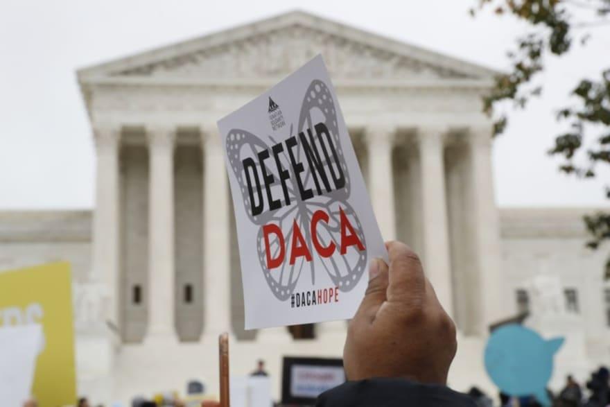 USCIS debe reabrir hoy la recepción de solicitudes nuevas de DACA