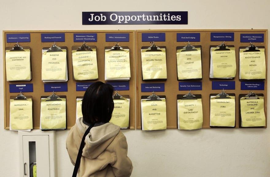 Más de 2.1 millones solicitan ayuda por desempleo y nueva cifra asciende más de 40 millones