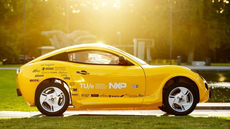 Crean un automóvil solamente utilizando basura reciclada