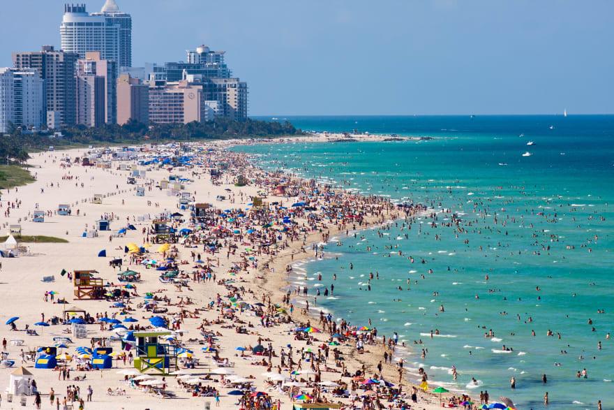 Cierran playas en Miami en fin de semana del 4 de julio por alza del coronavirus