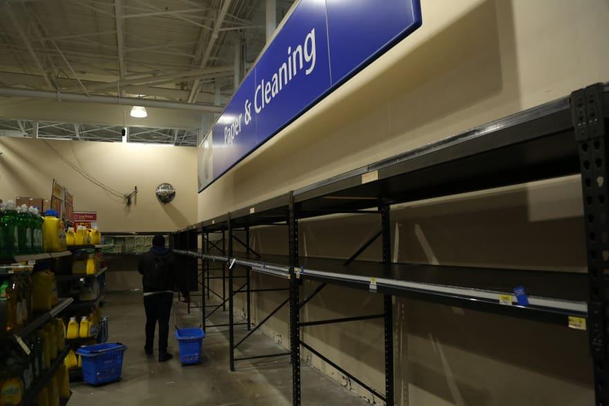 Walmart anuncia medidas para evitar desabastecimiento por coronavirus