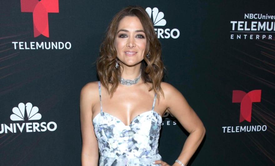 Felicidad Aveleyra, presentadora de Telemundo, presume a su pequeña hija y anuncia que espera otra bebé