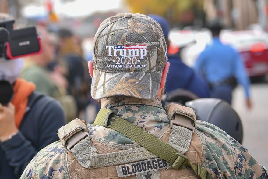 Donald Trump veta ley sobre defensa