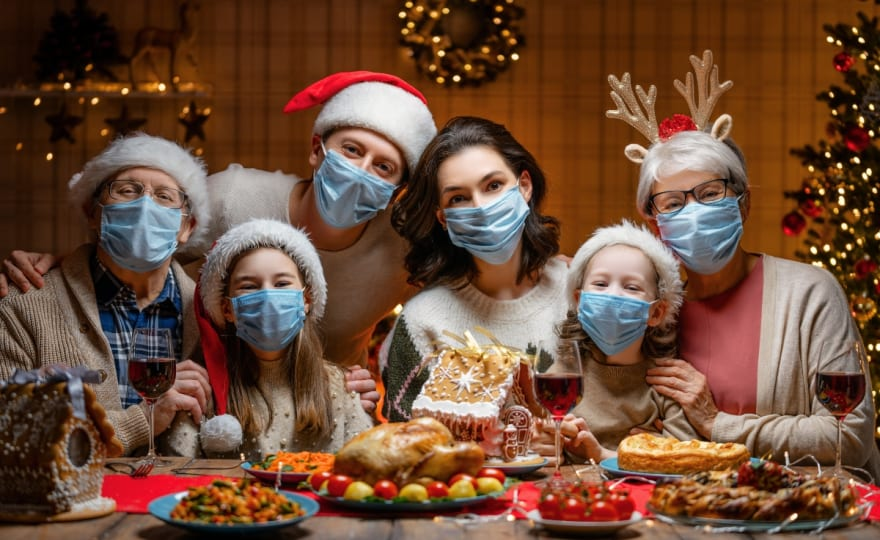 Recomendaciones para que la mesa de Navidad sea lo más segura posible, según los CDC