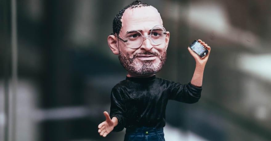 Ponen a la venta iPhone con ropa usada por Steve Jobs por 6,500 dólares