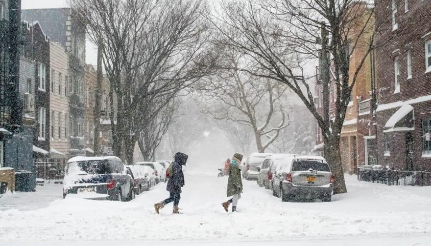 Tormentas de nieve amenazan el Fin de Año de millones de personas en EEUU