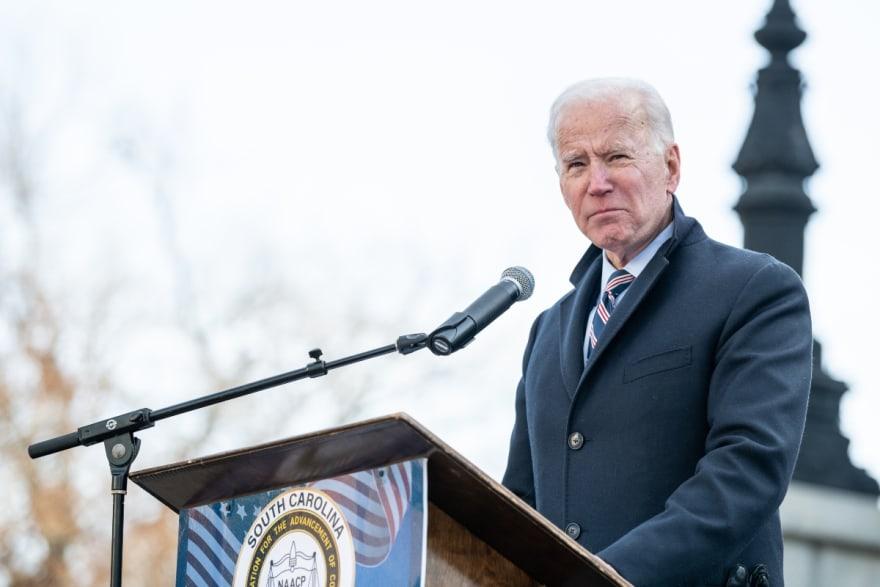 Joe Biden realizará ceremonia para homenajear a los muertos por el coronavirus en EEUU