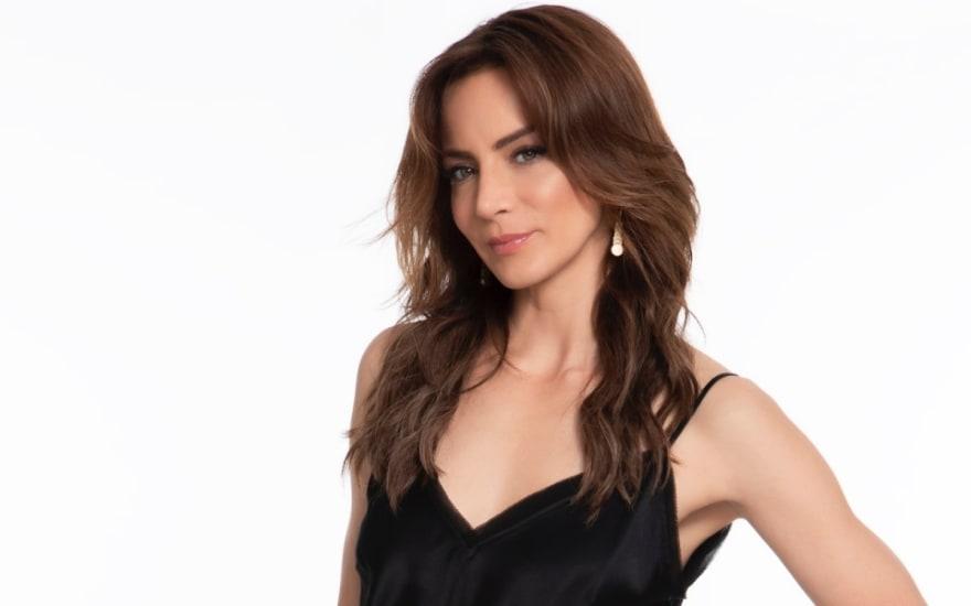 Silvia Navarro regresa a la televisión y con Telemundo; estrena el martes 26 de enero La Suerte de Loli