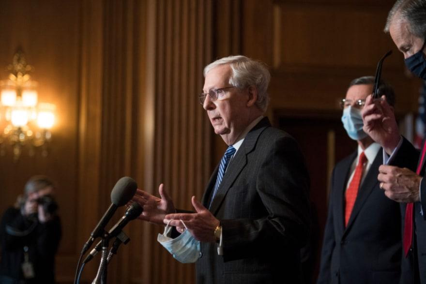 McConnell rechaza sesión de emergencia para juicio político de Trump