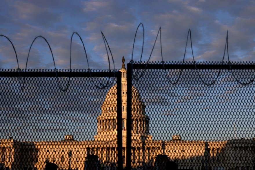 Cámara de Representantes suspende sesión por 'riesgo de asalto' en el Capitolio